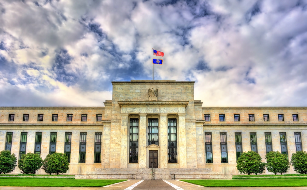 Fed holds steady, signals no interest rate changes through 2020